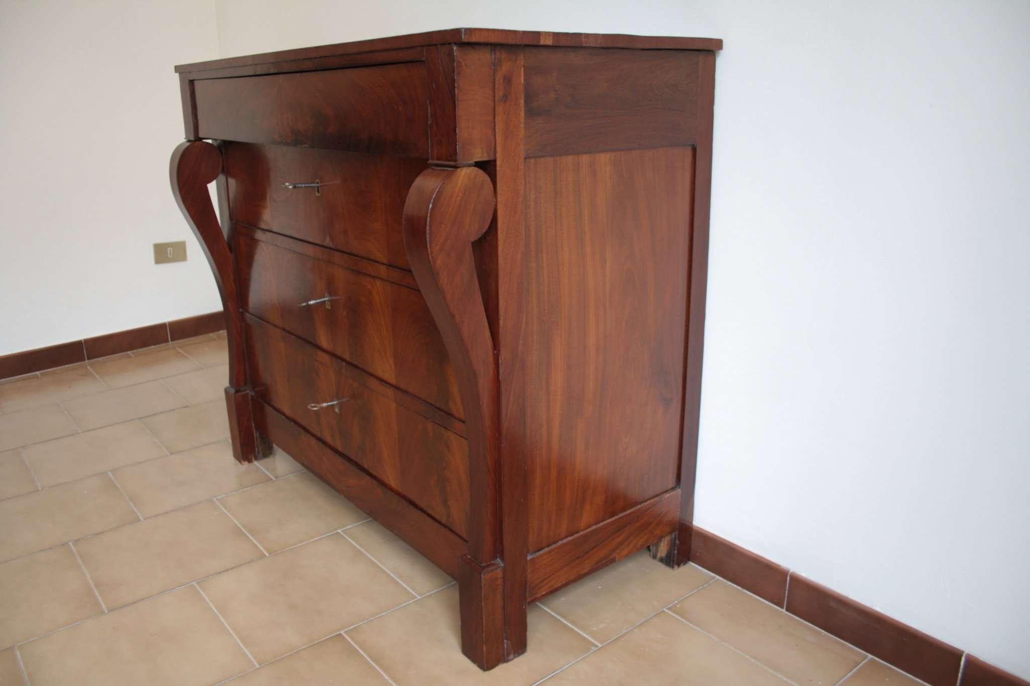 Dresser в стиле Второй империи, в начале двадцатого века, Северная Италия