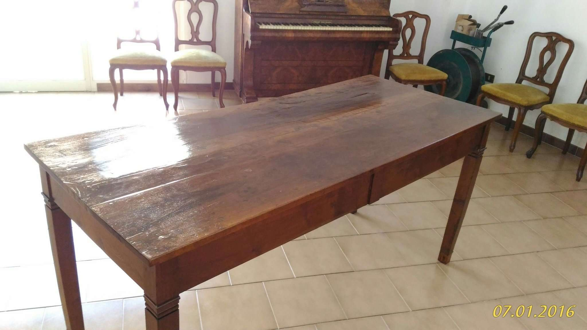 Walnut table first empire 1790