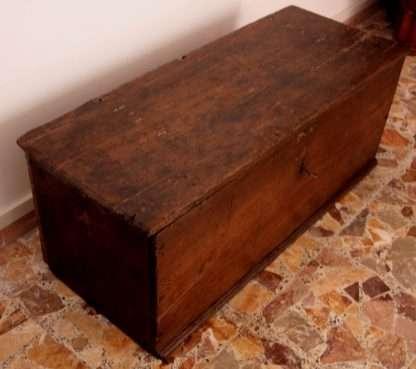 Грудь твердой каштановой древесины, мастерство, Чиленто, Южная Италия, 19 век